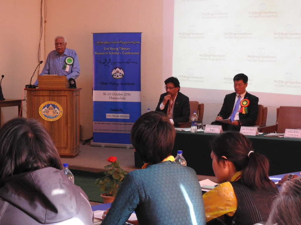Mr Jayadeva Ranade delivering the inaugural address at the 2nd Young Tibetan Research Scholars Conference held from October 18-20, 2016 near Dharamshala